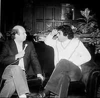 Enrico Macias<br /> en entrevue au Quebec, vers 1980<br /> (date exacte inconnue)<br /> <br /> PHOTO : Agence Quebec Presse - Roland lachance