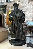 Royal Mile, St Giles Cathedral interior, the statue of John Knox<br /> Scotland May 8th - 19th. Trip across Scotland<br /> Foto Samantha Zucchi Insidefoto