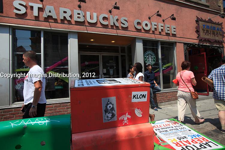 Toronto (ON) CANADA - July 2012 - Queen street west -Starbuck Coffee