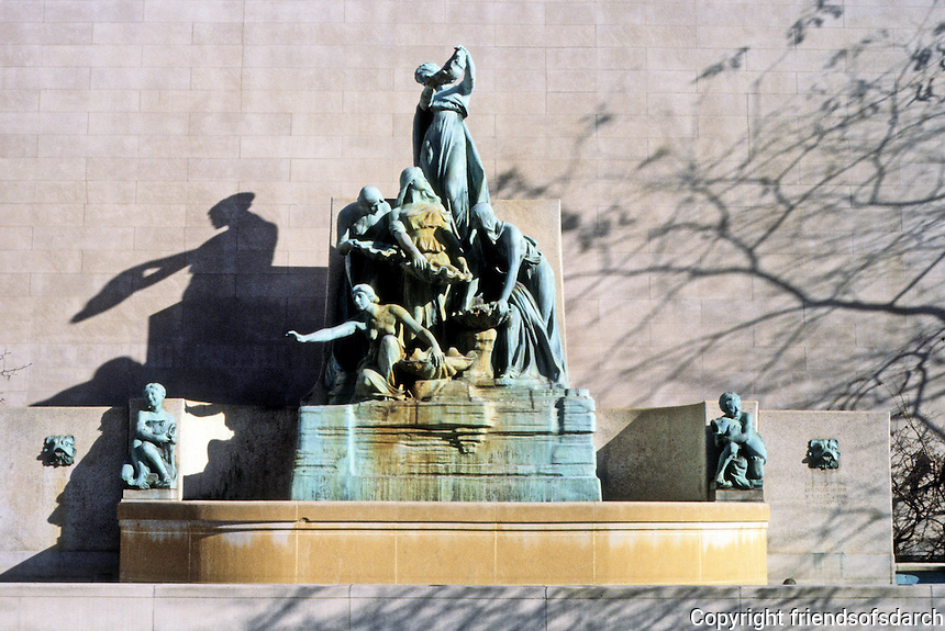 """Chicago: """"The Great Lakes""""--allegorical figures, Art Institute."""