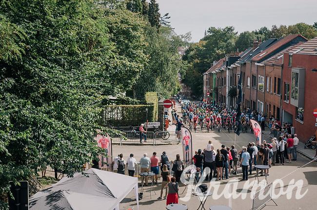 peloton up the steep Ridderstraat where the Jasper Stuyven corner is based<br /> <br /> 52nd GP Jef Scherens - Rondom Leuven 2018 (1.HC)<br /> 1 Day Race: Leuven to Leuven (186km/BEL)