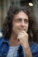 Gerry Boulet et Lucien Francoeur en entrevue avec Paul Sarrasin, a Musique Plus le 28 mai 1987                    .              <br /> <br /> PHOTO : Pierre Roussel -  Agence Quebec Presse