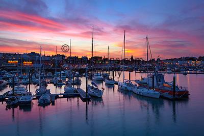 Grossbritannien, England, Kent, Ramsgate: Sonnenuntergang ueber dem Hafen   Great Britain, England, Kent, Ramsgate: The harbour at sunset