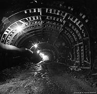betonnage-du-tunnel-de-la-station-de-metro-jarry-18-juin-1963