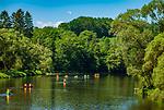 Deutschland, Bayern, Oberpfalz, Naturpark Oberer Bayerischer Wald, Koetztinger Land, bei Miltach: Kanufahrt auf dem Regen | Germany, Bavaria, Upper Palatinate, Nature Park Upper Bavarian Forest, near Miltach: canoeing at river Regen
