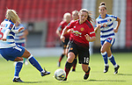 Kirsty Hanson of Manchester United Women and Kirsty Pearce of Reading