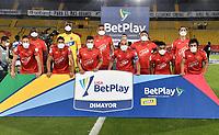BOGOTA-COLOMBIA, 17-10-2020: Jugadores Patriotas Boyaca F. C., posan para una foto, antes de durante partido entre Millonarios y Patriotas Boyaca F. C. de la fecha 15 por la Liga BetPlay DIMAYOR 2020 jugado en el estadio Nemesio Camacho El Campin de la ciudad de Bogota. / Players of Patriotas Boyaca F. C., pose for a photo, prior a match between Millonarios and Patriotas Boyaca F. C. of the 15th date for the BetPlay DIMAYOR League 2020 played at the Nemesio Camacho El Campin Stadium in Bogota city. / Photo: VizzorImage / Luis Ramirez / Staff.