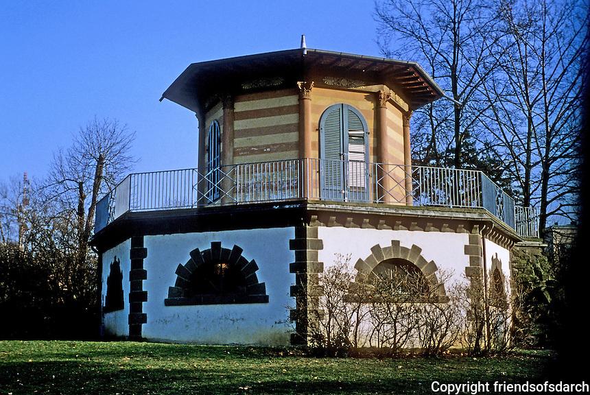 Frankfurt: Early 19th Century octagonal Garden House in Gruneburg Park. Photo '87.