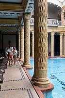 Jugendstil Thermalbad Gellert-Bad, Gellért fürdö, Kelenhegyi út 4, Budapest, Ungarn