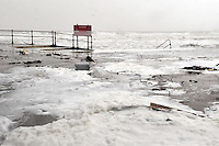swansea..news.wednesday 5th february 2014...<br /> <br /> Swansea during high tide, Caswell bay pictured.