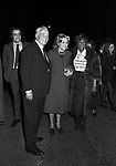 MANUEL E VITTORIO DE SICA, MARIA MERCADER ED ELLA FIZTGERALD<br /> ALL'USCITA DELL'OSTERIA ROMANA DA GIGGI FAZI ROMA 1971