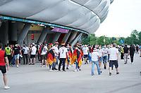 Deutsche Fans <br /> - Muenchen 23.06.2021: Deutschland vs. Ungarn, Allianz Arena Muenchen, Euro2020, emonline, emspor, <br /> <br /> Foto: Marc Schueler/Sportpics.de<br /> Nur für journalistische Zwecke. Only for editorial use. (DFL/DFB REGULATIONS PROHIBIT ANY USE OF PHOTOGRAPHS as IMAGE SEQUENCES and/or QUASI-VIDEO)