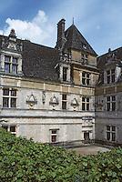 Europe/France/Midi-Pyrénées/46/Lot/Vallée du Céré/Env Saint-Céré: château de Montal - Façade Renaissance