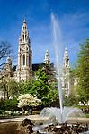 Austria, Vienna, Peter's church at Peter's Square | Oesterreich, Wien, Neues Rathaus und Springbrunnen im Rathaus Park