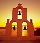 Greece, Cyclades, Santorini, Fira (Thira): Close up of Bell Tower at Sunset | Griechenland, Kykladen, Santorini, Fira (Thira): Glockenturm im Sonnenuntergang