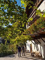 Restaurant Leiter am Algunder Waalweg, Algund bei Meran, Region Südtirol-Bozen, Italien, EuropaRestaurant Leiter at hiking trail Algunder Waalweg,  Lagundo village near Merano, Region South Tyrol-Bolzano, Italy, Europe