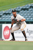 Dayton Dragons first baseman Robert Ramirez (25) holds a runner on during a game against the South Bend Silver Hawks on August 20, 2014 at Four Winds Field in South Bend, Indiana.  Dayton defeated South Bend 5-3.  (Mike Janes/Four Seam Images)