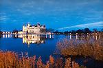 Germany, Mecklenburg-West Pomerania, Schwerin: Schwerin Castle located at Schwerin Lake | Deutschland, Mecklenburg-Vorpommern, Schwerin: Das Schweriner Schloss auf der Schlossinsel im Schweriner See