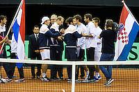September 12, 2014, Netherlands, Amsterdam, Ziggo Dome, Davis Cup Netherlands-Croatia, Presentation, Teams exchanging flags<br /> <br /> Photo: Tennisimages/Henk Koster