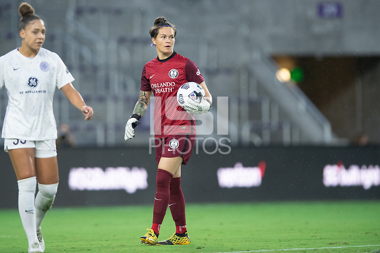 ORLANDO, FL - SEPTEMBER 11: Erin McLeod #1 of the Orlando Pride getting ready to pass the ball during a game between Racing Louisville FC and Orlando Pride at Exploria Stadium on September 11, 2021 in Orlando, Florida.