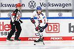 v.l. Bjoern Krupp (Mannheim, 5) beim Spiel im Halbfinale in  der DEL, Grizzlys Wolfsburg (dunkel) - Adler Mannheim (hell).<br /> <br /> Foto © PIX-Sportfotos *** Foto ist honorarpflichtig! *** Auf Anfrage in hoeherer Qualitaet/Aufloesung. Belegexemplar erbeten. Veroeffentlichung ausschliesslich fuer journalistisch-publizistische Zwecke. For editorial use only.