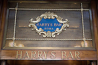 L'insegna dell'Harry's Bar in Via Veneto a Roma.<br /> The sign of Harry's bar in Via Veneto, Rome.<br /> UPDATE IMAGES PRESS/Riccardo De Luca