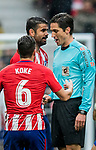 Diego Costa (L) of Atletico de Madrid speaks to referee Jose Luis Munuera Montero during the La Liga 2017-18 match between Atletico de Madrid and Getafe CF at Wanda Metropolitano on January 06 2018 in Madrid, Spain. Photo by Diego Gonzalez / Power Sport Images