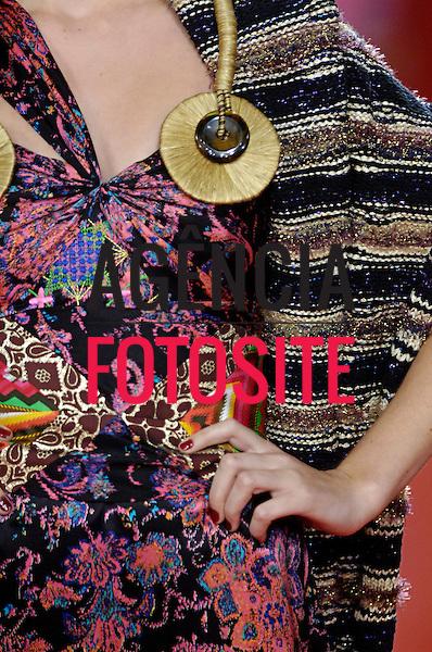 Sao Paulo, Brasil – 21/01/2006 - Detalhes do desfile de Andre Lima durante o São Paulo Fashion Week  -  Inverno 2006. Foto : Olivier Classe / Agência Fotosite