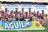 BARRANQUILLA- COLOMBIA -17-07-2016: Los jugadores de Atletico Junior, posan para una foto, durante partido entre Atletico Junior e Independiente Santa Fe, por la fecha 4 de la Liga Aguila II-2016, jugado en el estadio Metropolitano Roberto Melendez de la ciudad de Barranquilla. / The players of Atletico Junior, pose for a photo, during a match between Atletico Junior and Independiente Santa Fe, for the date 4 of the Liga Aguila II-2016 at the Metropolitano Roberto Melendez Stadium in Barranquilla city, Photo: VizzorImage  / Alfonso Cervantes / Cont.