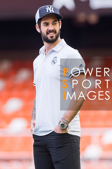 Isco Alarcon of Real Madrid in training prior to the La Liga match between Valencia CF and Real Madrid at the Estadio de Mestalla on 22 February 2017 in Valencia, Spain. Photo by Maria Jose Segovia Carmona / Power Sport Images