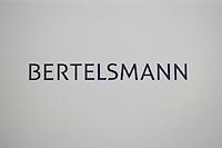 Bertelsmann Bilanz-PK am Dienstag den 26. Maerz 2013 in Berlin.<br />26.3.2013, Berlin<br />Copyright: Christian-Ditsch.de<br />[Inhaltsveraendernde Manipulation des Fotos nur nach ausdruecklicher Genehmigung des Fotografen. Vereinbarungen ueber Abtretung von Persoenlichkeitsrechten/Model Release der abgebildeten Person/Personen liegen nicht vor. NO MODEL RELEASE! Don't publish without copyright Christian-Ditsch.de, Veroeffentlichung nur mit Fotografennennung, sowie gegen Honorar, MwSt. und Beleg. Konto:, I N G - D i B a, IBAN DE58500105175400192269, BIC INGDDEFFXXX, Kontakt: post@christian-ditsch.de<br />Urhebervermerk wird gemaess Paragraph 13 UHG verlangt.]