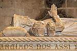 Portugal, Belem: Stone tomb of explorer Vasco da Gama inside Mosteiro dos Jeronimos | Portugal, Belem: Sarkophag des Entdeckers Vasco da Gama im Mosteiro dos Jeronimos (Jeronimos Kloster)