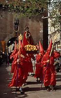 Europe/France/Languedoc-Roussillon/66/Pyrénées -Orientales/Perpignan : Procession de la Saint-Sanch - Devant le Castillet (ancienne porte principale de l'enceinte de Perpignan)