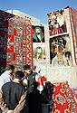 Irak 2000  Vendeurs de tapis a Erbil           Iraq 2000  Selling carpets in Erbil