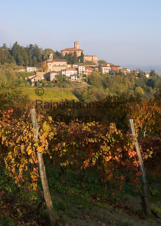 Italien, Piemont, Region Monferrato, Calamandrana Alta: Weindorf   Italy, Piedmont, region Monferrato, Calamandrana Alta: wine village