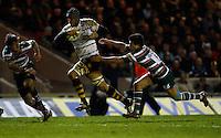 Photo: Richard Lane/Richard Lane Photography. Leicester Tigers v London Wasps. Aviva Premiership. 07/01/2012. Wasps' Marco Wentzel  attacks.