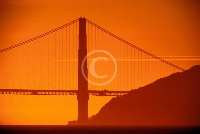 California, San Francisco Bay, Golden Gate Bridge at sunset