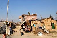 INDIA, New Delhi, forced shifted slum dweller at Slum Naglamachi at outskirts of Dehli, the people are mosty dalits  / INDIEN  Neu Delhi , <br /> zwangs umgesiedelte Dalits im Slum Naglamachi am Stadtrand von Dehli