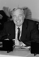 Canadian Prime Minister Paul martin attend the Summit of G-20 Countries in Ottawa on Saturday, November 17, 2001.<br /> <br /> PHOTO : Agence Quebec Presse