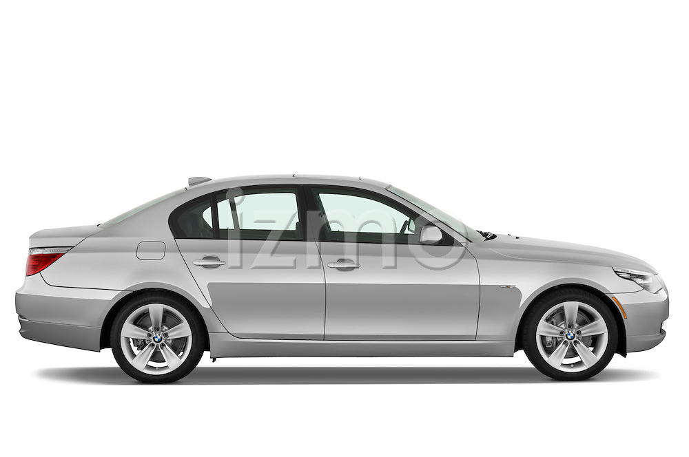Passenger side profile view of a 2009 BMW 5 Series 528.