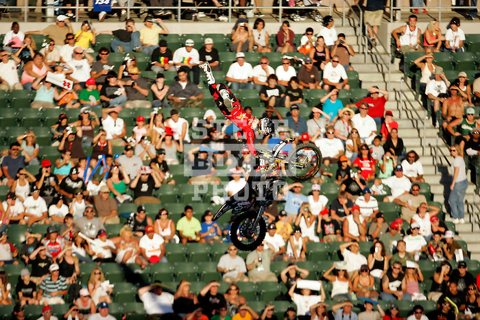 Jim McNeil competes in the Moto X Freestyle elimination round during X-Games 12 in Los Angeles, California on August 5, 2006.