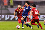 Endo Wataru of Japan (C) fights for the ball with Nguyen Quang Hai of Vietnam (L) and Nguyen Cong Phuong of Vietnam (R) during the AFC Asian Cup UAE 2019 Quarter Finals match between Vietnam (VIE) and Japan (JPN) at Al Maktoum Stadium on 24 January 2018 in Dubai, United Arab Emirates. Photo by Marcio Rodrigo Machado / Power Sport Images