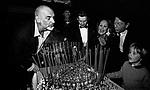 SEAN CONNERY , HELMUT BERGER, URSULA ANDRESS,JEAN CLAUD FRIEDERICH E IL FIGLIO DIMITRI HAMLIN<br /> FESTA ALL'ACROPOLIS PER URSULA ANDRESS ROMA 1986