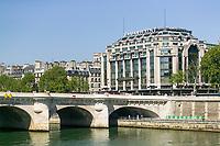 Pont Neuf (New Bridge) bridging the Seine river and the Samaritaine department store, Paris France