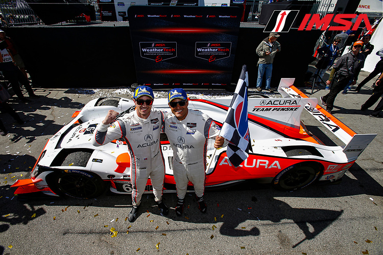 #6 Acura Team Penske Acura DPi, DPi: Juan Pablo Montoya, Dane Cameron, Checkered Flag, DPi Winners