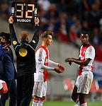 Nederland, Amsterdam, 15 augustus 2015<br /> Eredivisie<br /> Seizoen 2015-2016<br /> Ajax-Willem ll (3-0)<br /> Vaclav Cerny van Ajax komt in het veld voor Riechedly Bazoer van Ajax