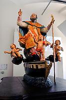 Saint Erasme, Holzskulptur 18. Jh. im Palast des genuesischen Gouverneurs (Museum) in der Zitadelle von Bastia, Korsika, Frankreich