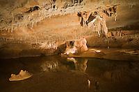 Europe/France/Midi-Pyrénées/46/Lot/Lacave: Grottes de Lacave - Salle des lacs: la Ville  Engloutie
