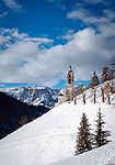 Italy, South Tyrol (Trentino - Alto Adige), La Valle: view from Old-Wengen towards chapel Saint Barbara, at background Puez-Geisler-Group (left) at Puez-Geisler Nature Park (Parco naturale Puez Odle) | Italien, Suedtirol (Trentino - Alto Adige), Gadertal, Wengen: Blick von Altwengen ueber die spaetgotische Barbarakapelle zur Puez-Geisler-Gruppe im Naturpark Puez-Geisler