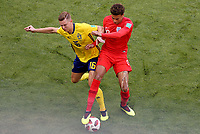 SAMARA - RUSIA, 07-07-2018: Emil KRAFTH (Izq) jugador de Suecia disputa el balón con Dele ALLI (Der) jugador de Inglaterra durante partido de cuartos de final por la Copa Mundial de la FIFA Rusia 2018 jugado en el estadio Samara Arena en Samara, Rusia. / Emil KRAFTH (L) player of Sweden fights the ball with Dele ALLI (R) player of England during match of quarter final for the FIFA World Cup Russia 2018 played at Samara Arena stadium in Samara, Russia. Photo: VizzorImage / Julian Medina / Cont